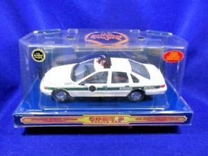 【送料無料】模型車 モデルカー スポーツカー コードフォードビクトリアcode 3 us border patrol ford crown victoria e6911 12457