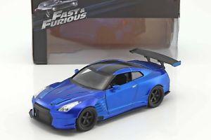 【送料無料】模型車 モデルカー スポーツカー ブライアンrbrians nissan gtr r35 baujahr 2009 fast and furious blau 124 jada toys