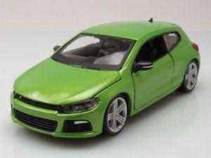 【送料無料】模型車 モデルカー スポーツカー メタリックグリーンモデルカーvw scirocco r 2013 grn metallic, modellauto 124 burago