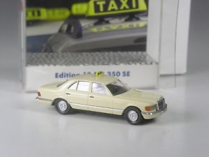 【送料無料】模型車 モデルカー スポーツカー クラスモデルメルセデスクラスタクシーklasse wiking sondermodell mercedes sklasse 380 se taxi in ovp