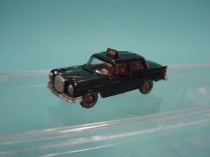 【送料無料】模型車 モデルカー スポーツカー バイキングタクシーメルセデスwiking 187 1496 taxi mercedes 220s 59 von 197071