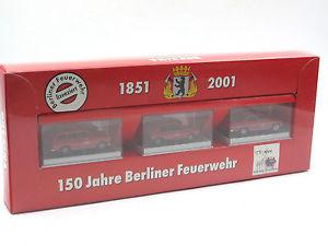 【送料無料】模型車 モデルカー スポーツカー ベルリンセットbrekina 93750 150 jahre berliner feuerwehr set 3 x einsatzleitwagen elw 187