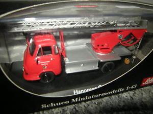 【送料無料】模型車 モデルカー スポーツカー ターンテーブル143 schuco hanomag garant feuerwehr mit bachert drehleiter nr 03241 in ovp