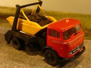 【送料無料】模型車 モデルカー スポーツカー スクラップチャージ187 brekina mb 328 rot mit absetzmulde und schrottladung 48029