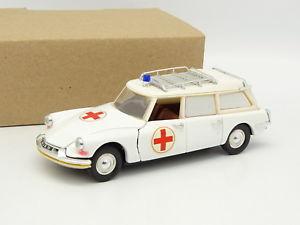 【送料無料】模型車 モデルカー スポーツカー リオシトロエンrio sb 143 citroen ds id break ambulance
