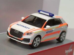 【送料無料】模型車 モデルカー スポーツカー アウディherpa audi q2 notarzt 093361 187