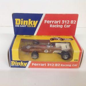 【送料無料】模型車 モデルカー スポーツカー オリジナルボックスフェラーリレースカーneues angebotdinky 226 ferrari 312b2 racing car good condition in original box