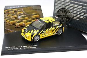 【送料無料】模型車 モデルカー スポーツカー ユニバーサルルノークリオスポーツトロフィー