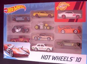 【送料無料】模型車 モデルカー スポーツカー ホットホイールセットポルシェフォードエスコートモーリスミニフォードhot wheels 10 car set includes porsche, ford escort, morris mini, ford musta