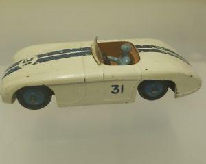 【送料無料】模型車 モデルカー スポーツカー スポーツカーdinky 133 cunningham sport car