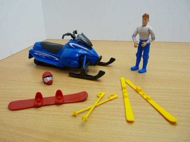 【送料無料】模型車 モデルカー スポーツカー スキーチルトフィギュアset motoneige ski figurine 118