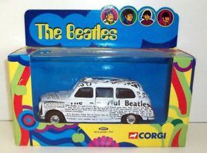 【送料無料】模型車 モデルカー スポーツカー コーギースケールタクシービートルズcorgi 136 scale 58007 spaper taxi the beatles