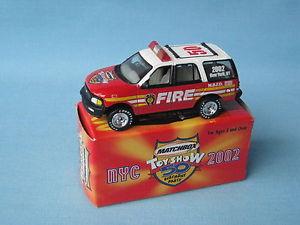 【送料無料】模型車 モデルカー スポーツカー マッチフォードレスキューニューヨークショーボックスmatchbox ford expedition fire rescue 2002 york show boxed toy car 70mm long
