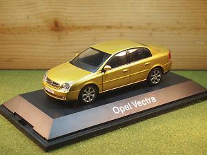 【送料無料】模型車 モデルカー スポーツカー オペルゴールドスケールボクソールベクトラschuco opel vauxhall vectra in gold 143rd scale