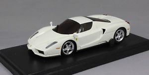 【送料無料】模型車 モデルカー スポーツカー フェラーリエンツォkyosho dnano ferrari enzo in white dnx501w 143