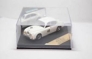 【送料無料】模型車 モデルカー スポーツカー ジャガーボックスロイサルバドーリシルバーストーンneues angebotvitesse l171 jaguar mkii 38 roy salvadori winner silverstone 1960 in box 143