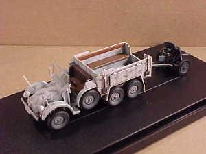 【送料無料】模型車 モデルカー スポーツカー ドラゴン#カークルップdragon armor 60638 172 kfz70 krupp protze 6x4 w37cm pak 3536 east 43