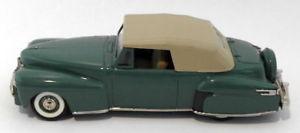 【送料無料】模型車 モデルカー スポーツカー スケールコレクタリンカーンコンチネンタルcollectors classics 143 scale 606833 unboxed 1946 lincoln continental  green