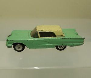 【送料無料】模型車 モデルカー スポーツカー コーギーフォードサンダーバードcorgi 348 ford thunderbird