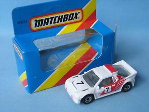 【送料無料】模型車 モデルカー スポーツカー マッチフォードホワイトレッドラリーカーボックスモデルカーmatchbox ford rs200 white and red rally car boxed toy model car 70mm
