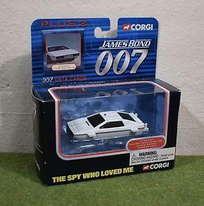【送料無料】模型車 モデルカー スポーツカー コーギージェームスボンドプラススパイロータスエスプリcorgi james bond 007 plus 2 the spy who loved me lotus esprit underwater ty95701