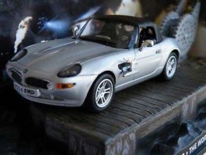 【送料無料】模型車 モデルカー スポーツカー ジェームスボンドシルバー#james bond bmw z8 car the world is not enough brosnan silver issue k8796q ~~