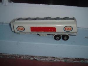 【送料無料】模型車 モデルカー スポーツカー スペアエッソトレーラーニーズトターユニットスペアdinky toys spares 945 esso tanker trailer needs tractor unit spares only