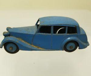 【送料無料】模型車 モデルカー スポーツカー dinky 40b triumph
