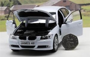 【送料無料】模型車 モデルカー スポーツカー パーソナライズプレートホワイトモデルpersonalised plate gift 18cm 124 white bmw 330i model boys dad present boxed