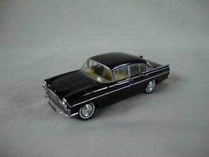 【送料無料】模型車 モデルカー スポーツカー クレスタvanguards lledo 196062 vauxhall cresta velon in good condition
