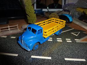 【送料無料】模型車 モデルカー スポーツカー リストアdinky toys for restoration