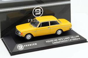 【送料無料】模型車 モデルカー スポーツカー ボルボイエロートリプルvolvo 142 baujahr 1973 gelb 143 triple9