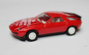【送料無料】模型車 モデルカー スポーツカー ポルシェモデルカーモデルキールレッドporsche 928  187 von herpa sondermodell automodellshow kiel 1984 rot