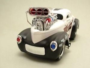 【送料無料】模型車 モデルカー スポーツカー メタリックマシンモデルカーwillys 1941 perlmutt metallic, muscle machines, modellauto 124 maisto