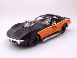 【送料無料】模型車 モデルカー スポーツカー シボレーコルベットハーレーダビッドソンブラックオレンジモデルカーchevrolet corvette c3 1970 harley davidson schwarzorange modellauto 124 maisto