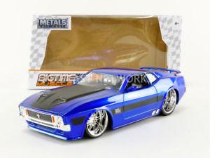 【送料無料】模型車 モデルカー スポーツカー フォードムスタングマッハjada toys 124 ford mustang mach 1 btm 1973 99972bl