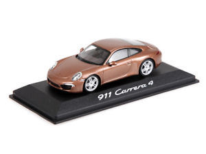 【送料無料】模型車 モデルカー スポーツカー ポルシェモデルカーカレラマルチカラーメタリックporsche modellauto 911 991 carrera 4 cognacmetallic 143 wap0201090c