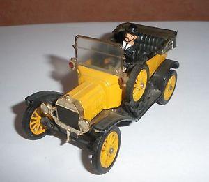 【送料無料】模型車 モデルカー スポーツカー コーギーフォード487 corgi classics england 9012 ford t 1915 jaune 143