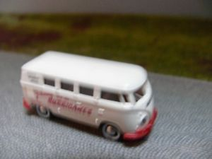 【送料無料】模型車 モデルカー スポーツカー #バスジョニーハリケーン187 brekina 0410 vw t1 b johnny and the hurricans bus
