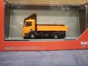 【送料無料】模型車 モデルカー スポーツカー アテーゴトラックオレンジherpa lkw mb atego 13 3seiten kipper orange 307857
