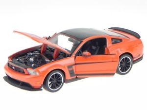 【送料無料】模型車 モデルカー スポーツカー フォードムスタングボスオレンジレッドモデルカーford mustang boss 302 orange rot modellauto 39269 maisto 124