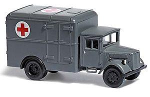 【送料無料】模型車 モデルカー スポーツカー ブッシュトラックオペルスペアbusch h0 lkw opel ersatz kfz 385 krankenwagen