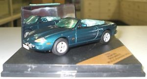 【送料無料】模型車 モデルカー スポーツカー ジャガーvitesse v100a jaguar xk8 cabrio grnmet 143