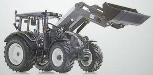 【送料無料】模型車 モデルカー スポーツカー フロントローダートターvaltra n123 traktor mit frontlader 132
