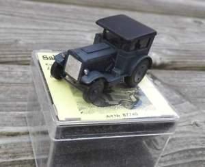 【送料無料】模型車 モデルカー スポーツカー エクスプレスkaelble traktor z4 express von 1933  von saller 187