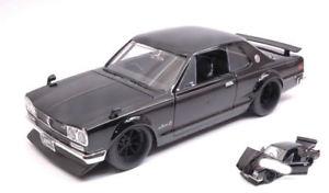 【送料無料】模型車 モデルカー スポーツカー ブライアンスカイラインモデル