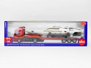 【送料無料】模型車 モデルカー スポーツカー メルセデスパワーボートトラックsiku 3936 mercedes lkw mit power boot ovp 2358156