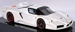 【送料無料】模型車 モデルカー スポーツカー フェラーリクーペホワイトメタリックホットホイールエリートferrari fxx f140 coupe 200506 wei white metallic 143 hot wheels elite