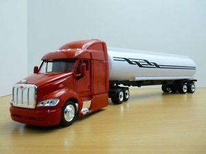 【送料無料】模型車 モデルカー スポーツカー camion peterbilt 387 semi remorque citerne 143