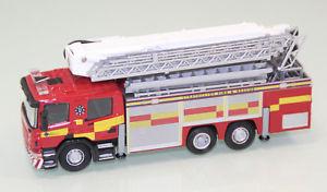 【送料無料】模型車 モデルカー スポーツカー オックスフォードアンテナレスキューストラスクライドウェールズoxford 176 scania aerial rescue pumper strathclyde fire wales feuerwehrjs2645